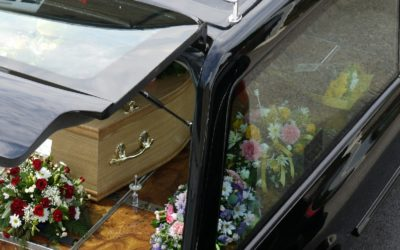 Government urged to ban funerals during coronavirus outbreak as pressure mounts on undertakers